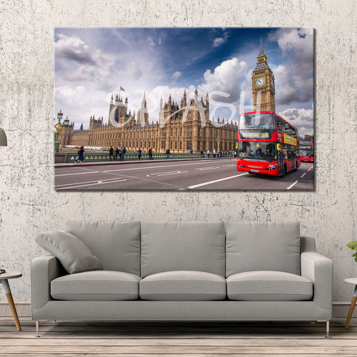 Picture bus and parliament of London