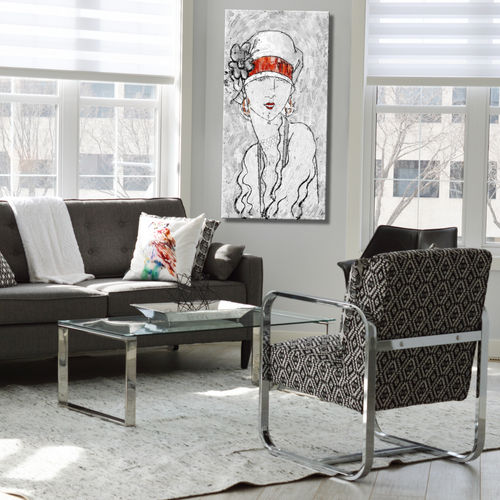 Woman's painting with hat in grey